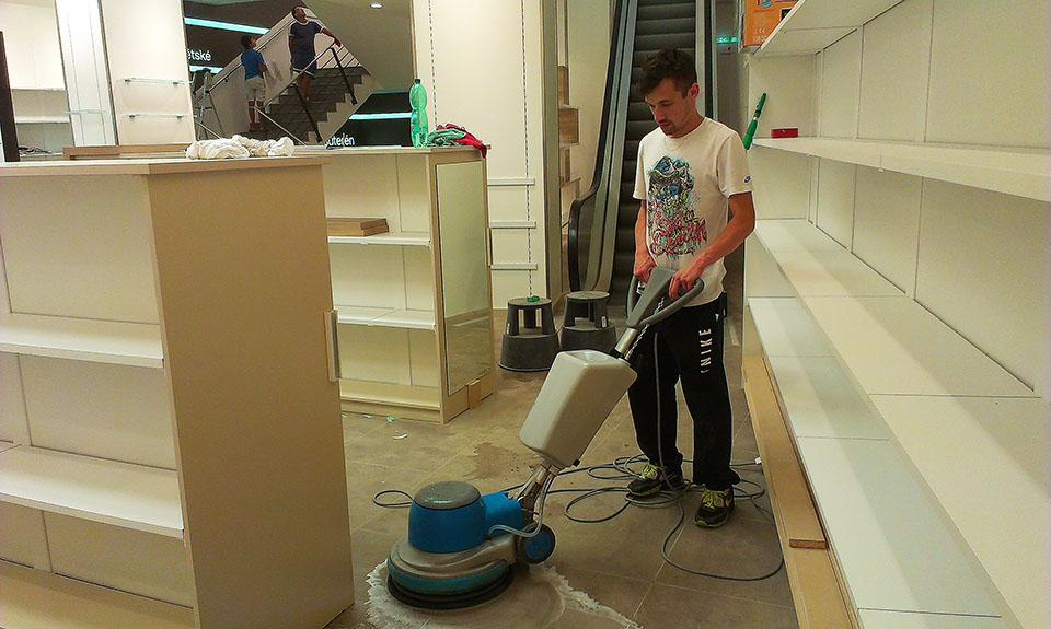 Profesionální vyčištění a navoskování podlah