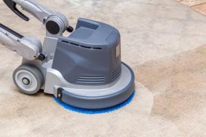 čištění koberců kotoučovým strojem