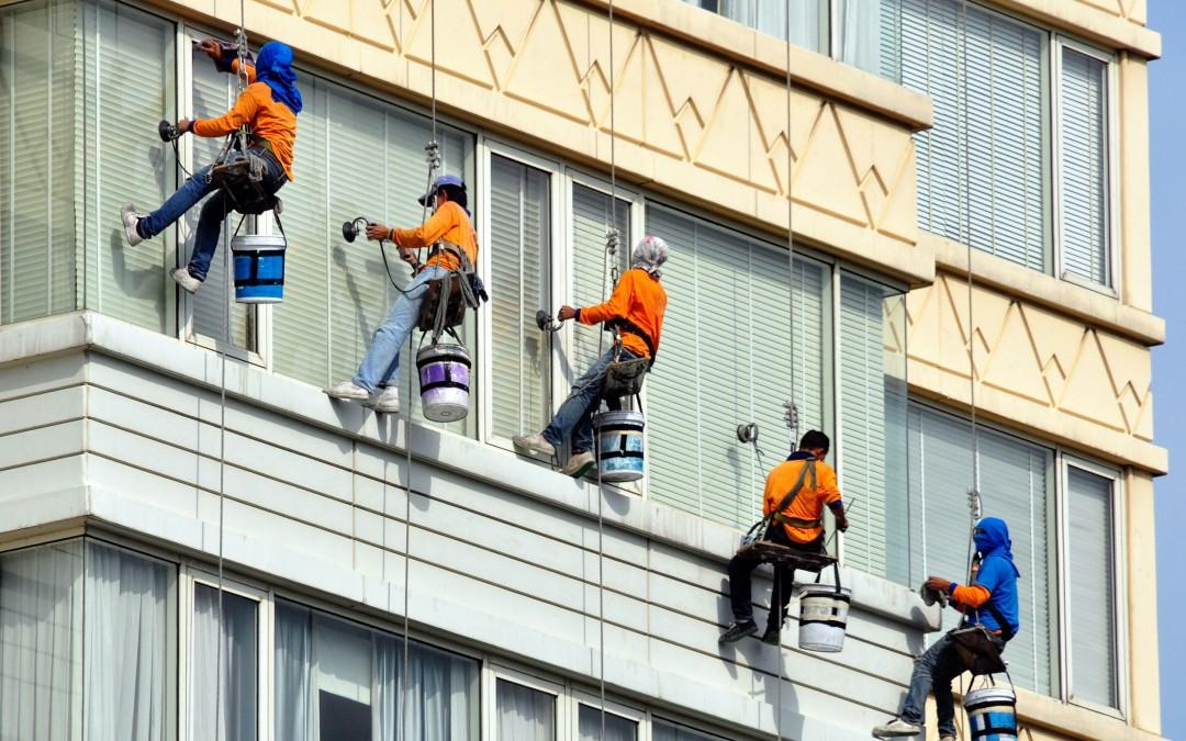 Čištění fasád, mytí oken a výškové práce Brno – díky nano-impregnaci od této firmy, máme trvale krásný výhled i bez mytí a čištění oken…